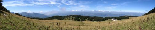 La prairie de Fessole en fin d'été - Vue panoramique (La Ferme de Fessole)