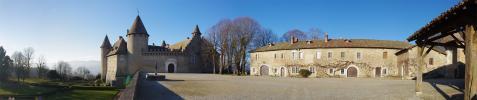Château de Virieu - Panoramique cour d'honneur (Château de Virieu)