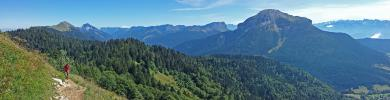 Panoramique - Sentier de la Pinéa sous le sommet (La Pinéa depuis Orgeval)