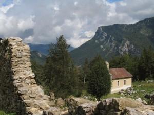 La chapelle et les Rochers de la Ferrière