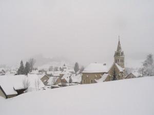 Méaudre, tapi sous la neige