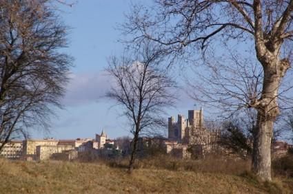 Cathédrale Saint-Nazaire depuis les hauteurs de Fonseranes