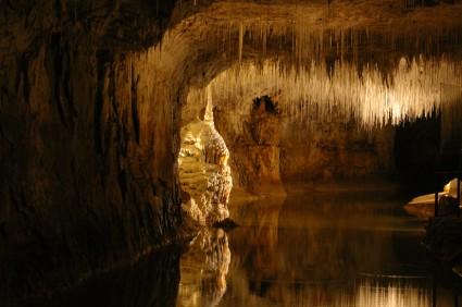 Dans les grottes de Choranche