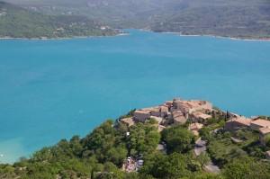 Lac et village de Sainte-Croix