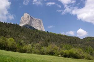 Mont Aiguille depuis le ruisseau de Donnière
