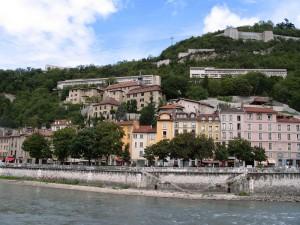 Le couvent Sainte-Marie domine le quartier St-Laurent