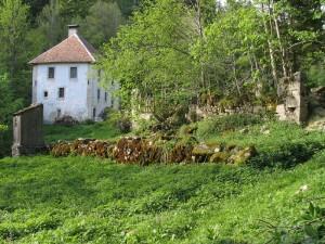 Ruines et habert de Chartroussette