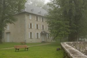 Hostellerie vue depuis le porche