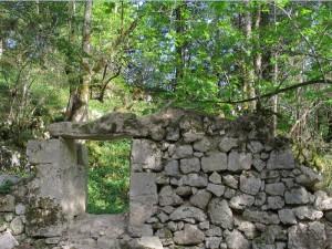 Ruines du habert primitif de Chartroussette