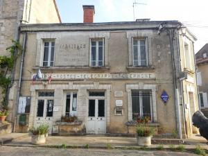 Mairie et PTT de Varaignes