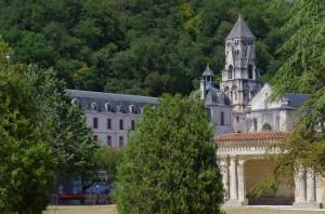 Abbaye de Brantôme - Vue d'ensemble depuis les jardins