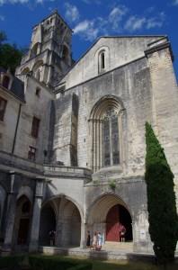 Cloître, église et clocher