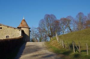Chemin autour du château