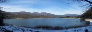Panoramique - Lac Kawaguchi, rives enneigées