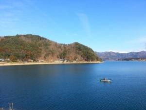 Pêcheur sur le lac Kawaguchi