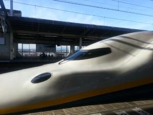 Shinkansen en gare d'Omiya