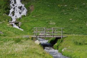Passerelle au Plan de l'eau