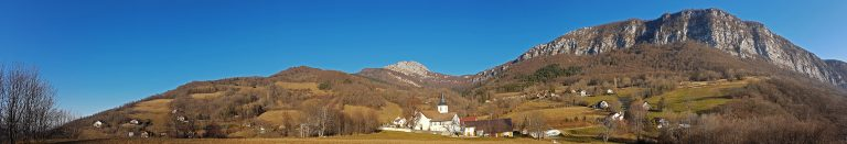 Panoramique - Village de Mont-Saint-Martin, sous les Rochers de l'Eglise et de Chalves